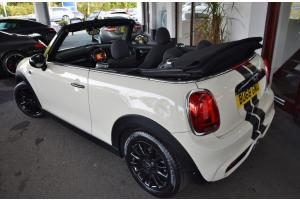Mini Cooper S Convertible - thumb158011
