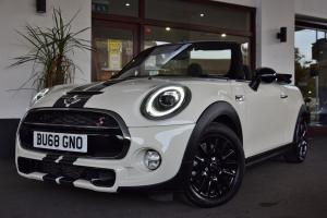 Mini Cooper S Convertible - thumb158010